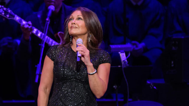 Vanessa Williams performs at the Kennedy Center